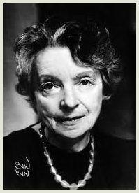 Alcune poesie di Nelly Sachs (1891 - 1970), premio Nobel per la letteratura nel 1966, di religione ebraica, amica di Paul Celan, anch'essa sfuggita in extremis ai campi di sterminio nazisti passand...