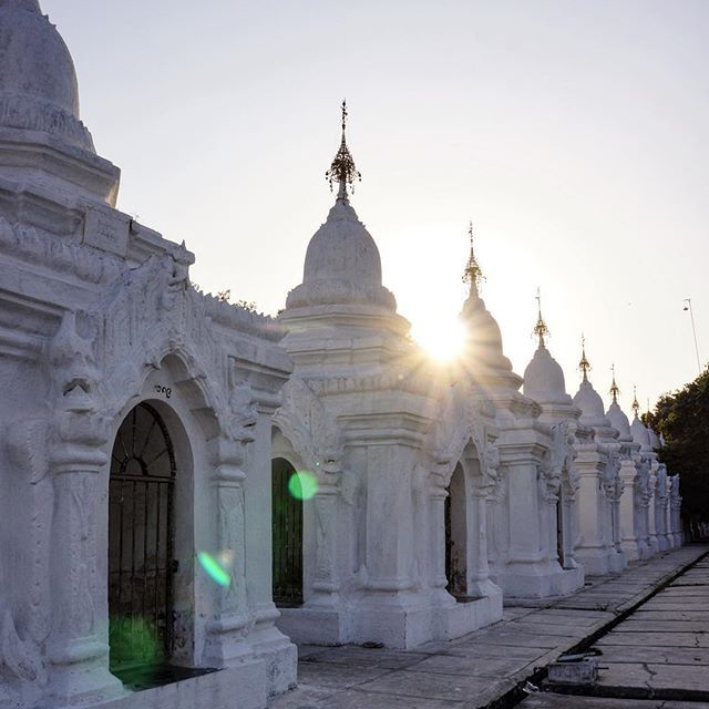 At the foot of Mandalay Hill lies the intriguing Kuthodaw Pagoda - a peaceful Buddhist sanctuary that is home to the worlds largest book. Here you will find 729 marble slabs, inscribed with Buddhist teachings, and housed across the site, each in its own pagoda. 🙏 . . . #greatshotz #sharetravelpics #thegreatplanet #globecentre #wowplacestogo #travellergoalz #openmyworld #wanderlust #worldtravelpics #instagood #instatravel #worlderlust #picoftheday #travelingshoot #travelstoke #travel…