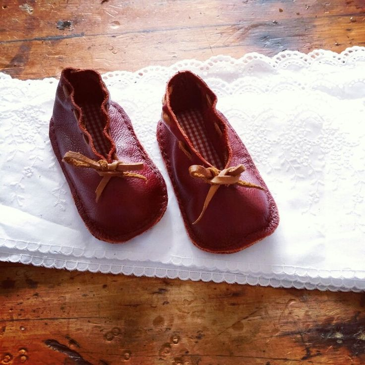 Handmade NavyHeart leather baby shoes