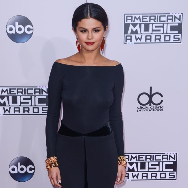 Selena Gomez reveals biggest hair mistake - Yahoo New Zealand