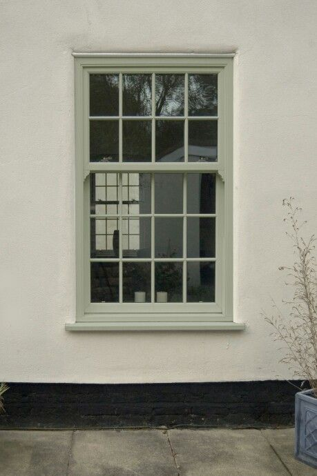 Chartwell Green sash window.