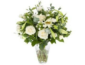Luxe wit gemengd  Luxe boeket van diverse mooie witte bloemen.verkrijgbaar bij www.bloemenweelde-amsterdam.nl