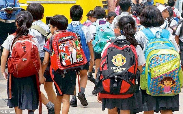 PM #Modi is up to launch #pilot #project to reduce the weight of heavy school bags http://bit.ly/2uKPfIK