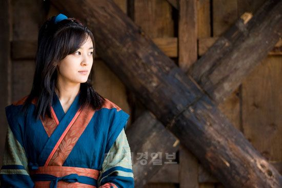Kim Su-ro, The Iron King (Hangul: 김수로; RR: Kim Su-ro) is a 2010 South Korean television series on the life of Suro of Geumgwan Gaya, starring Ji Sung, Seo Ji-hye. It aired on MBC  for 32 episodes. Kim Su-ro unified 12 small countries to become the legendary founder and ruler of Geumgwan Gaya, the city-state of the Gaya confederacy which dominated sea trade and iron working during the Three Kingdoms Period in the 5th century. 강별