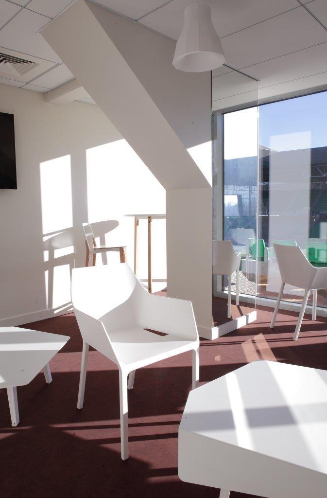 Réaménagement des loges et salons du Stade Geoffroy Guichard - Design : L'atelier Tourette & Goux - Crédit photo : Olivier Deleage - Studio Bisbee