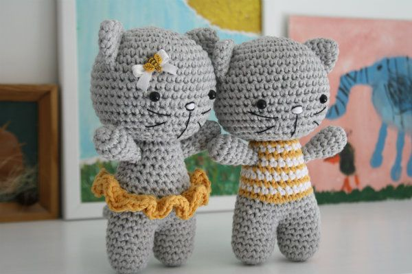 The pattern is teaching you how to make a toy with joined legs. The kitty has tw...