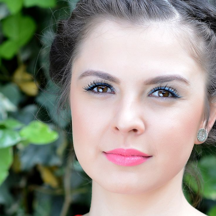Модная в этом сезоне голубая подводка в сочетании с глянцевой розовой помадой – от GA-DE  #makeup#GADE#выпуской#beauty#aztagram#baku#look#образ#iLoveSabina#Sabina#самаякрасивая#люблюсебякрасивую#color