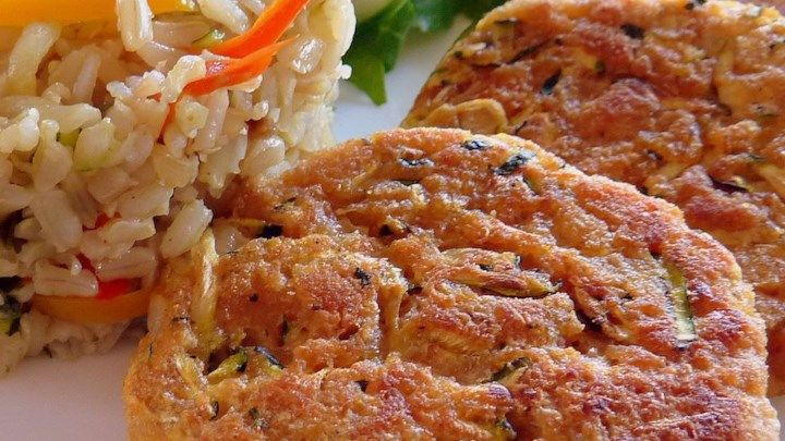 """Connie's Zucchini """"Crab"""" Cakes – Land Of Recipes"""