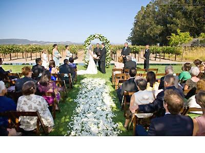 Flower girls to throw a different color on a white base? Great Wedding Venues in Sonoma