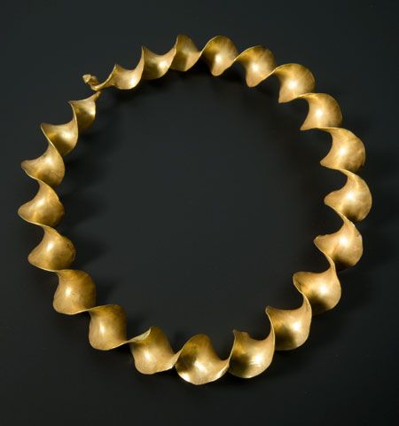 This torc is made from finely-twisted gold ribbons – a style typical of Scotland and Ireland.  Ca.300-100 BC, Europe.