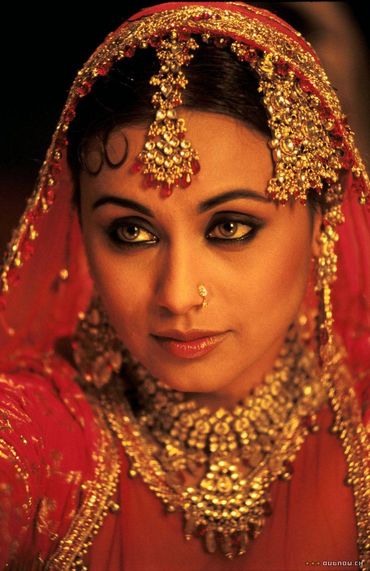 Boobs Image Of Rani Mukherji 32