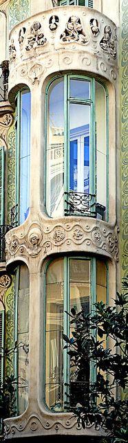 Casa Elisa Bremon D´espina Gran de Gràcia 61.Barcelona -