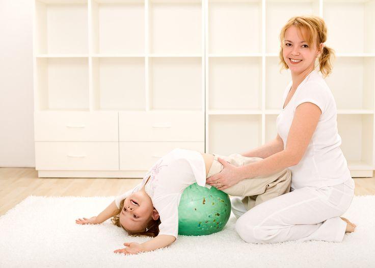 La psicomotricidad puede ser muy divertida, y una excelente vía de comunicación para aquellos niños que sufren una afectación motor importante, especialmente si la practicamos con mamá o papá. apúntate!