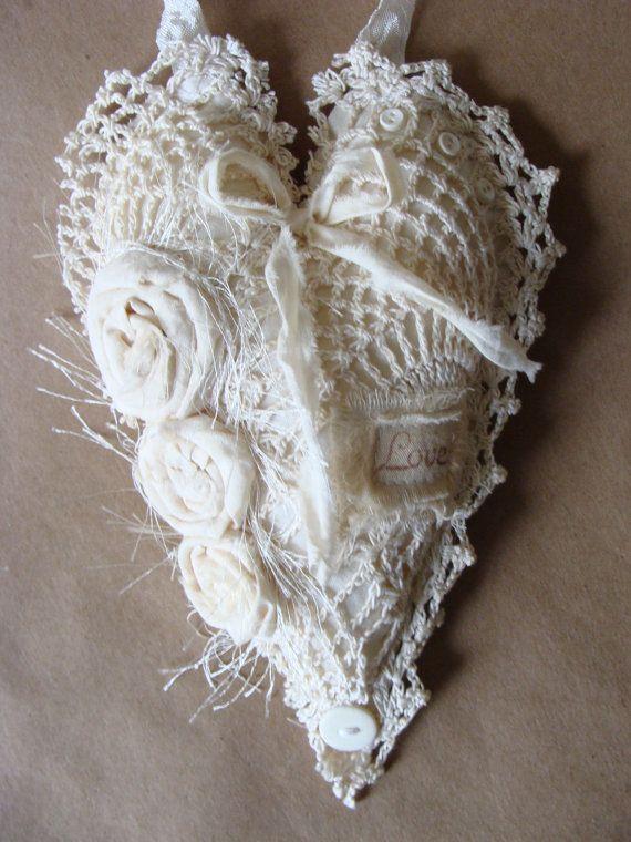 Shabby Chic antiguos encajes ornamento de corazón corazón de