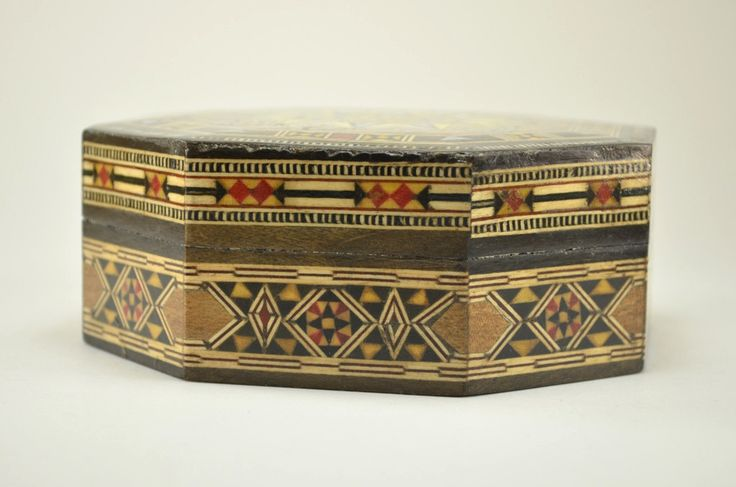 Wood Inlay Box, handcrafted in Syria. Beautiful decorative box.