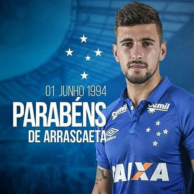 0aefabc3f6 Hoje é aniversário do nosso camisa 10 Arrascaeta! Esse ano o atleta  disputará a Copa do mundo vestindo também a 10 do Uruguai! Títulos no  Cruzeiro  - Copa ...