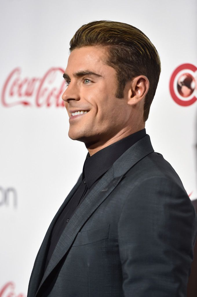 Zac Efron Photos - CinemaCon 2016 - The CinemaCon Big Screen Achievement Awards Brought To You By The Coca-Cola Company - Red Carpet - Zimbio