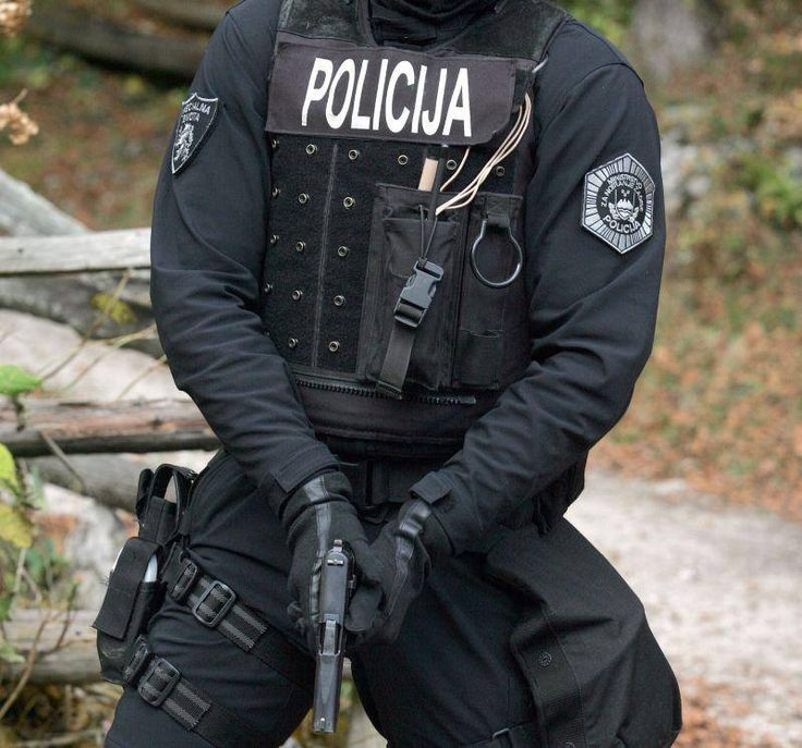 Red Panthers - Slovenian counter-terrorist unit | Special Forces | Poligija | Black leather/neoprene gloves  https://s-media-cache-ak0.pinimg.com/736x/00/19/9c/00199c872f659d01bee5c88253825033.jpg