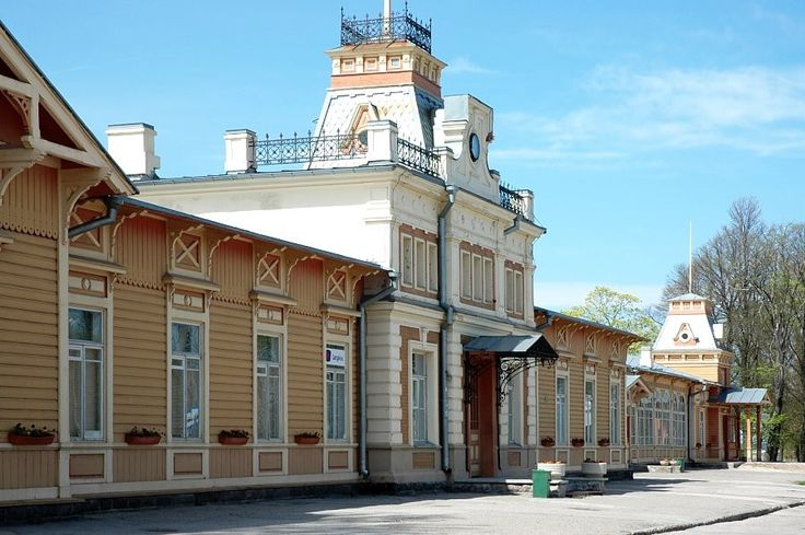 Haapsalu railway station is an excellent preserved example of 20th century wooden architecture. The Keila-Haapsalu route and final station were decided in 1902. Construction began in May 1904, and temporary traffic was possible already in December. The railway station building was designed by architect K. Verheim and engineer V. Vestfalen, constructed during 1905-1907. Regular passenger trains used the route until September 1997.   Muinsuskaitseamet | Estonian National Heritage Board, CC-BY
