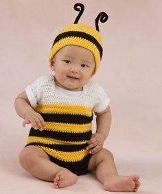 Häkel Deinem Baby ein süßes Bienen-Outift, mach ein Foto und poste es in Deinem sozialen Netzwerk. Dieser einfache Overall und die Mütze sind schnell gehäkelt und werden immer in Erinnerung bleiben...