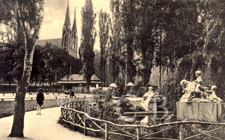 Parky a zahrady: Háječek, pohlednice; sbírka J. Dvořáka.