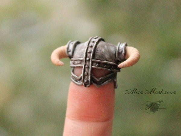 The Skyrim mini helmet of Dragonborn power
