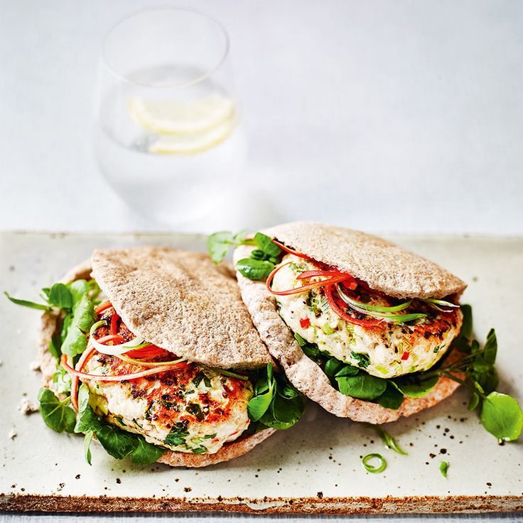 Prep Time: 10 Minutes | Cooking Time: 5 MinutesServes 2These tasty burgers have a little chilli kick, are quick to prepare andideal to pop into a sealable container and take to work for lunch.