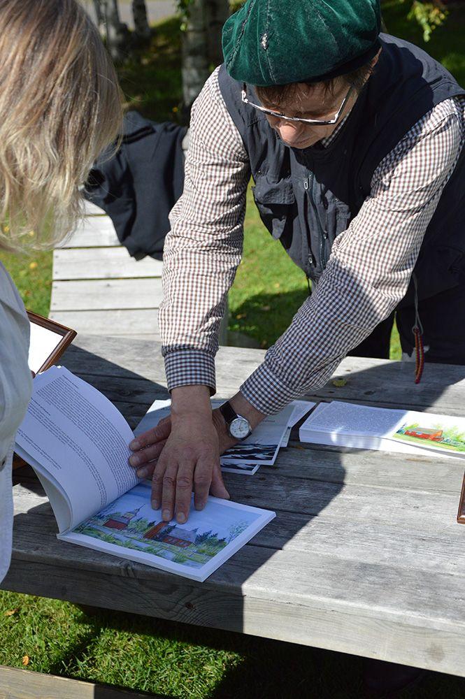 Turkansaaren kirkosta on julkaistu  taiteilija Kari Holman maalaamia historiapostikortteja. Luuppi, Oulu (Finland)
