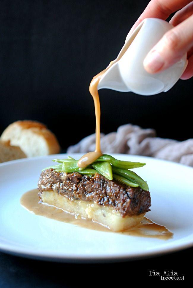 Tía Alia Recetas: Lingote de rabo de toro y patata en su propio jugo. Receta con olla a presión
