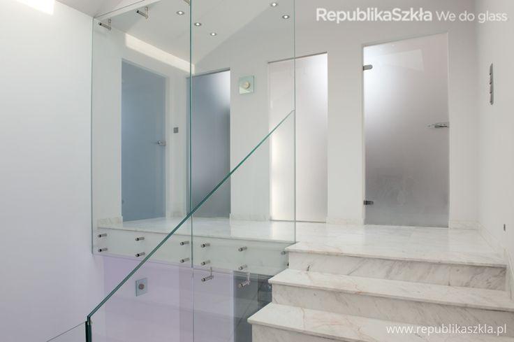 Szklana balustrada i ściana // wykonanie: RepublikaSzkła