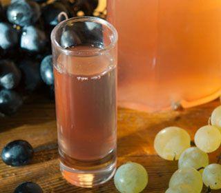 homemade-energy-drink-made-from-apple-cider-vinegar