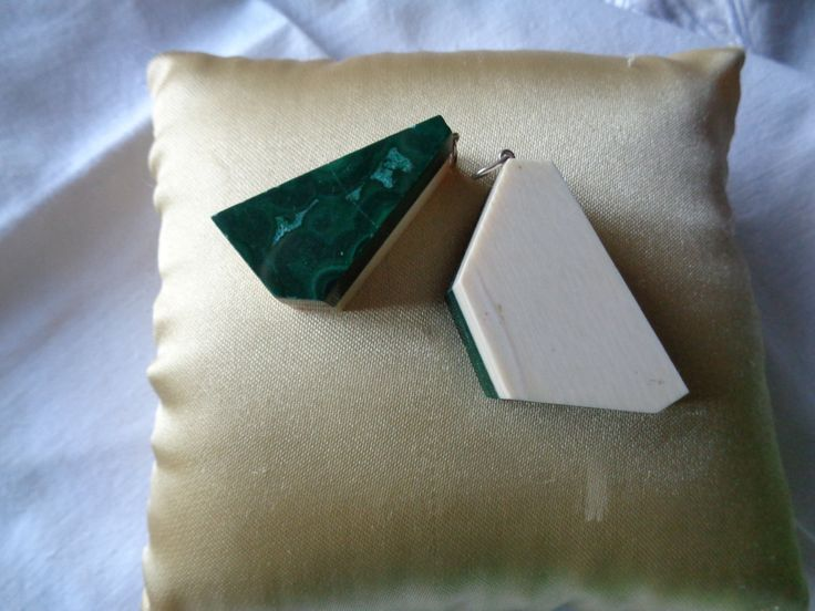 Two Different Size Retro Pendents Ivory and Malachite '80 - NOW ON SALE by AllYouCanVintage on Etsy