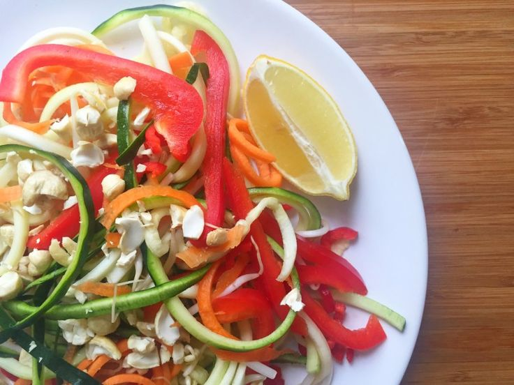 I Love Health | Pad Thai salad with augé and cashews recipe | http://www.ilovehealth.nl