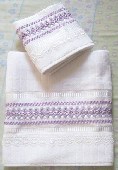 Conjunto de toalhas com bordado em fita