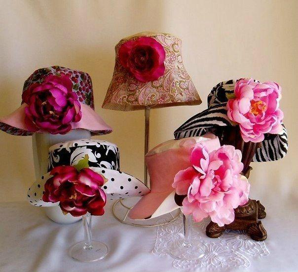 Cartamodello gratis - Bellissimo cappello con fiore da donna e da ragazza