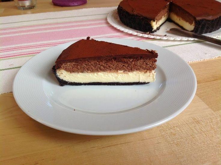 VÍKENDOVÉ PEČENÍ: Cheesecake s čokoládovou pěnou