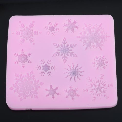малюсенькая форма для кружев и мастики. не все снежинки получались у меня. Snowflake-Frozen-Silicone-Fondant-Cake-Mold-Soap-Chocolate-Mould-Clay-Mould-DIY