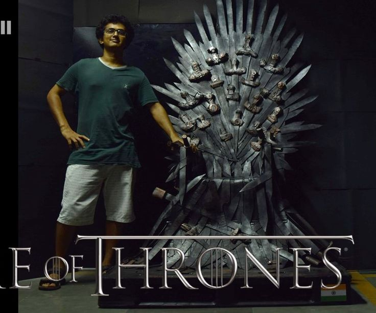 A full scale iron throne replica out of cardboard and un for Buy iron throne chair