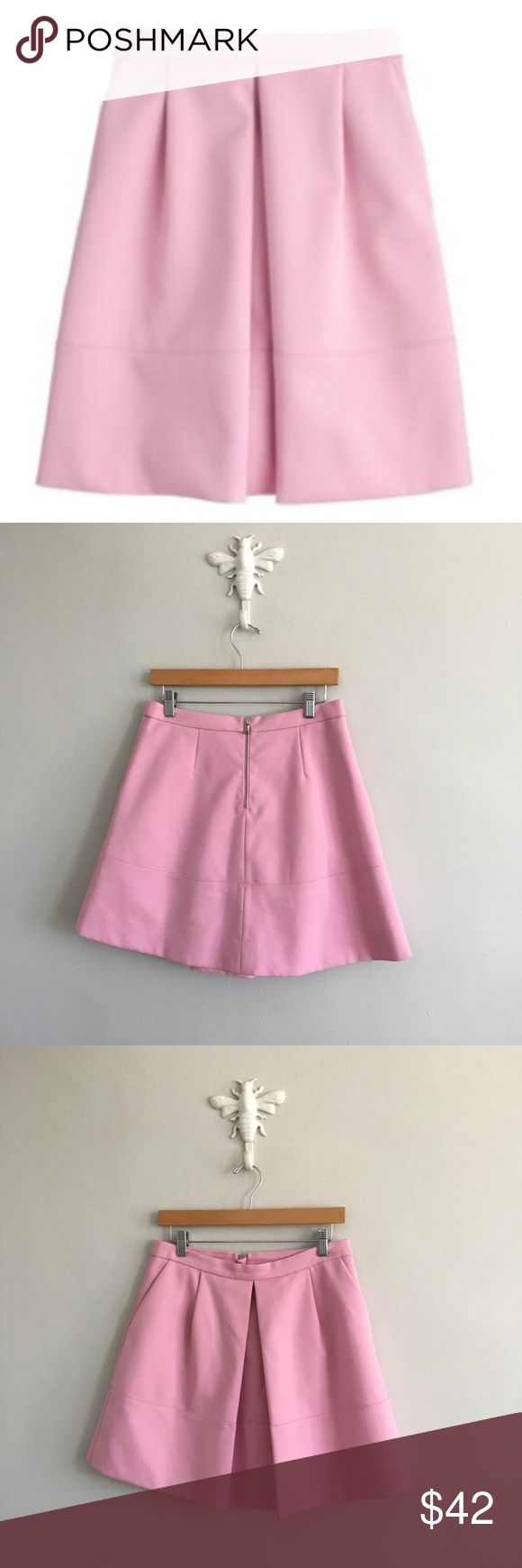 """J. Crew Lilac Pleat Front Mini Skirt with Pockets Gently pre-loved with no rips or stains. Please see all pictures for an accurate description of condition. Size 6. 91% polyester, 9% elastane. Lining: 100% polyester. Backing: 62% polyester, 26% viscose, 2% elastane. Waist: 29"""". Length: 17.5"""". J. Crew Skirts A-Line or Full"""