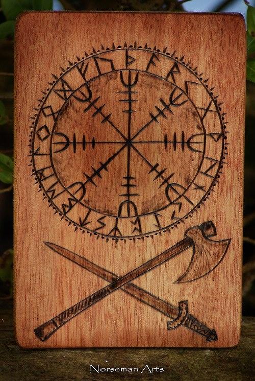 Les 52 meilleures images du tableau tatouages scandinaves sur pinterest tatouage scandinave - Tatouage rune viking ...