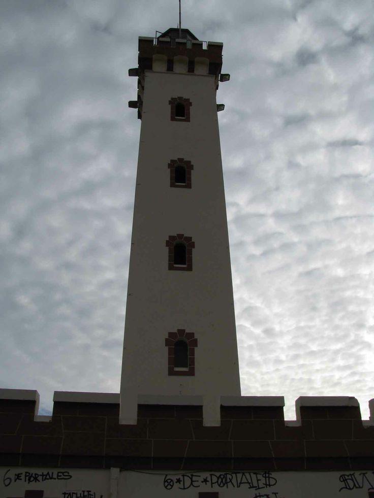 El faro en La Serena. // The lighthouse in La Serena. (IV Región)