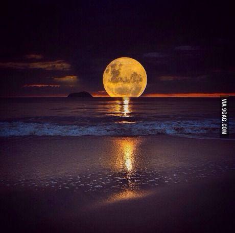 It's a moonset