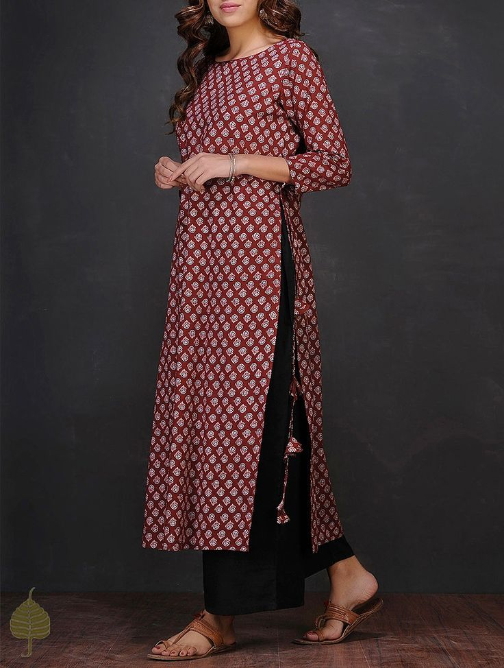 Buy Maroon White Block printed Boat Neck Cotton Kurta by Jaypore Women Kurtas The Print Theory dresses dupattas Online at Jaypore.com
