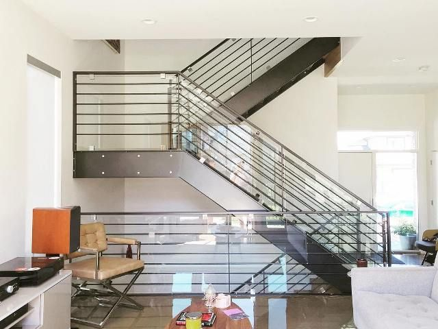 bentuk tangga minimalis