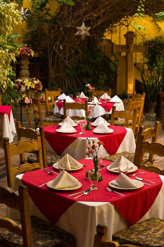 Mexican patios: decor: courtyard, Restaurant Bugambilia, San Miguel de Allende, Mexico