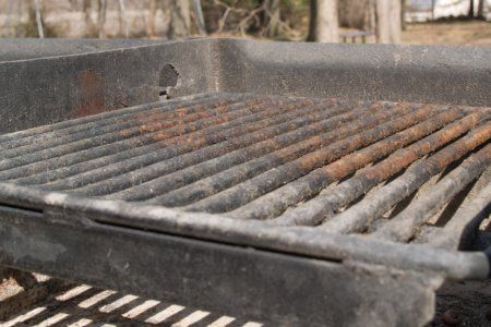 Outdoor grills can get rusty after a few months of not being used. Try these methods to get the rust out of your outdoor grill.