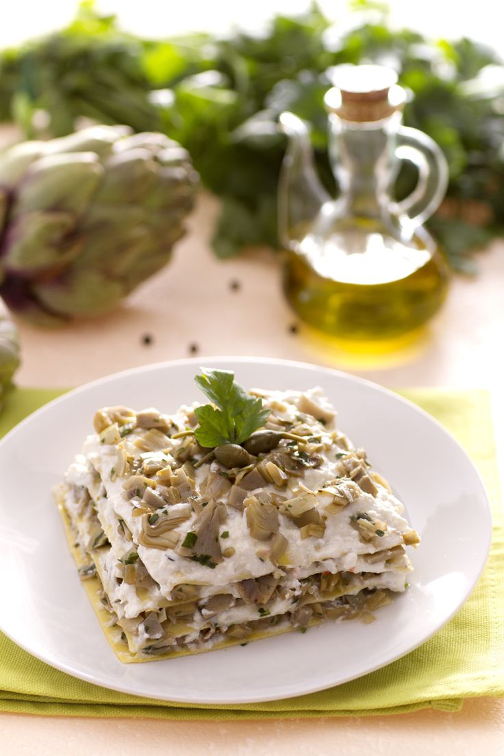Scopri un'alternativa fresca e saporita alla classica #lasagna: #lasagne ai #carciofi, #ricotta e capperi! (lasagna with #artichokes, ricotta #cheese and  capers). #Giallozafferano #recipe #ricetta #Pasqua #Easter