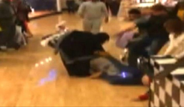 WATCH: Best Of 2014 Black Friday Fights...So Far Best Buy, black friday deals, black friday fights, holiday shopping, holidays, sales, sexy, shoppers fighting, Target, Walmart, watch video