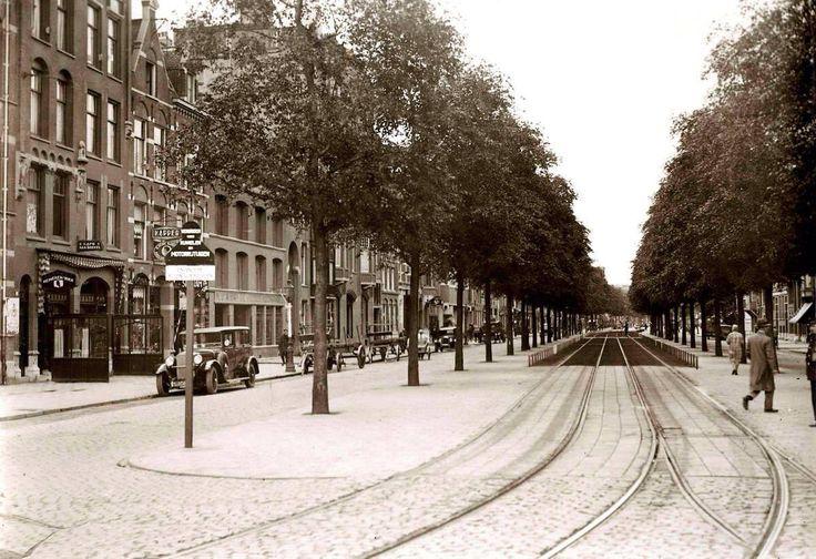 Amsterdam: De Overtoom toen het nog een echte ''laan'' was in de jaren 30