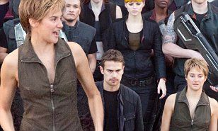 Shailene Woodley displays toned arms with Theo James on Insurgent set #DailyMail